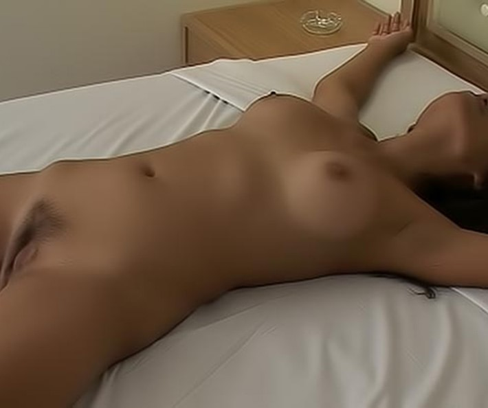 Meaw Naked On Bed